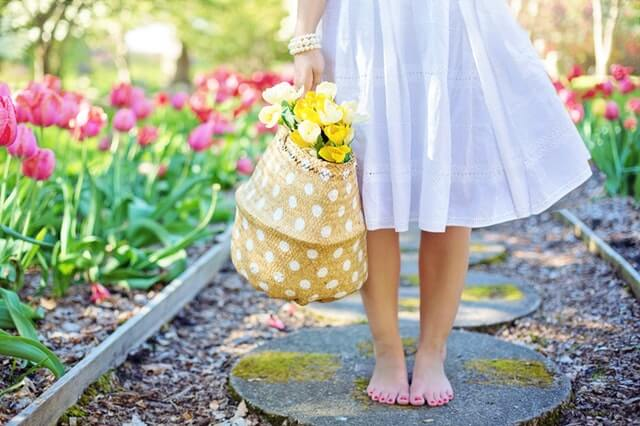 barefoot-blooming